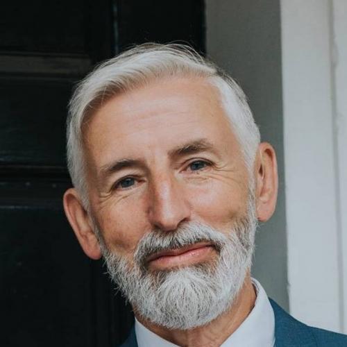 Derek Hayes staff picture