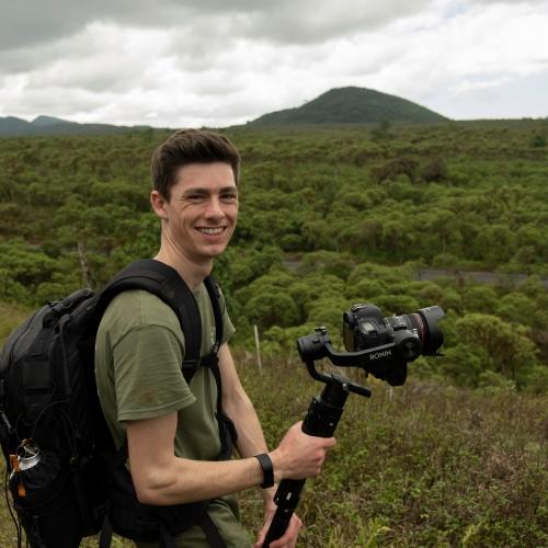 MNHP_Cameraman on the Galapagos